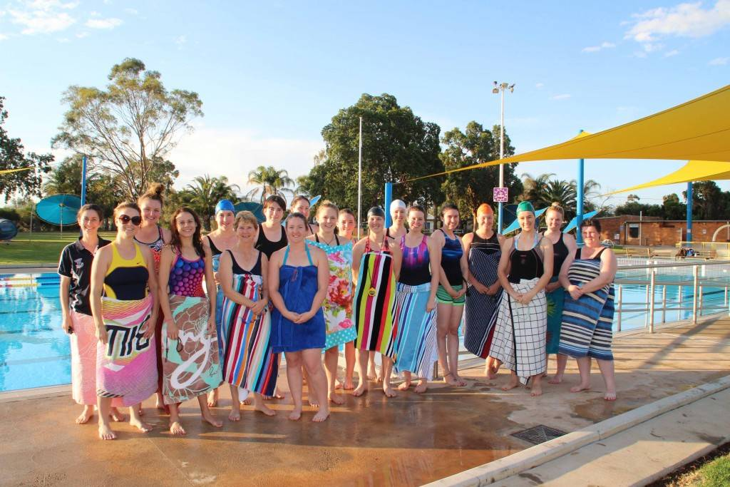 There was a good roll up for the newly reformed Mermaids swimming club's first swim on Sunday night at the Cobar Memorial Swimming Pool.