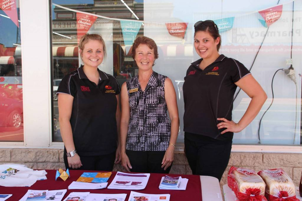 Broken Hill Local Aboriginal Land Council Ability Linkers Gabrielle O'Donnell and Hayley Beer with CareWest Ability Linker Wendy Beetson (pictured centre) visited Cobar last week, handing out information about their services to help inform locals of support they can access.