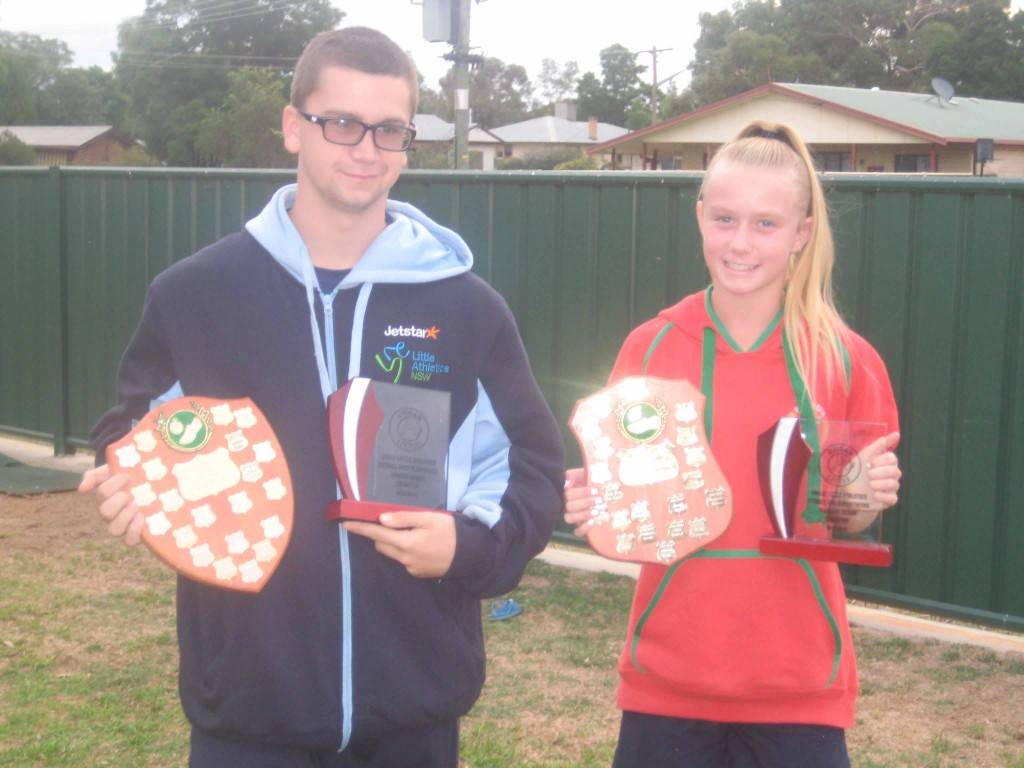 Cobar Little A's overall point score winners were Andrew Rorke and Madasan Taylor. The pair are pictured at the club's 2015/2016 end of season presentations at the Cobar Bowling & Golf Club on Monday.