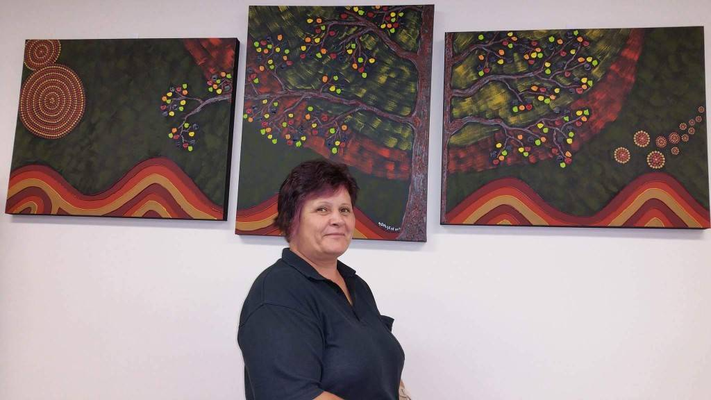 Local Aboriginal artist Sharron Ohlsen has recently hung a sample of her artwork at local business Stationery Essentials, where she purchases the majority of her art supplies. She will soon take part in an art residency at Lake Mungo which will give her the potential to exhibit in Broken Hill and even further afield