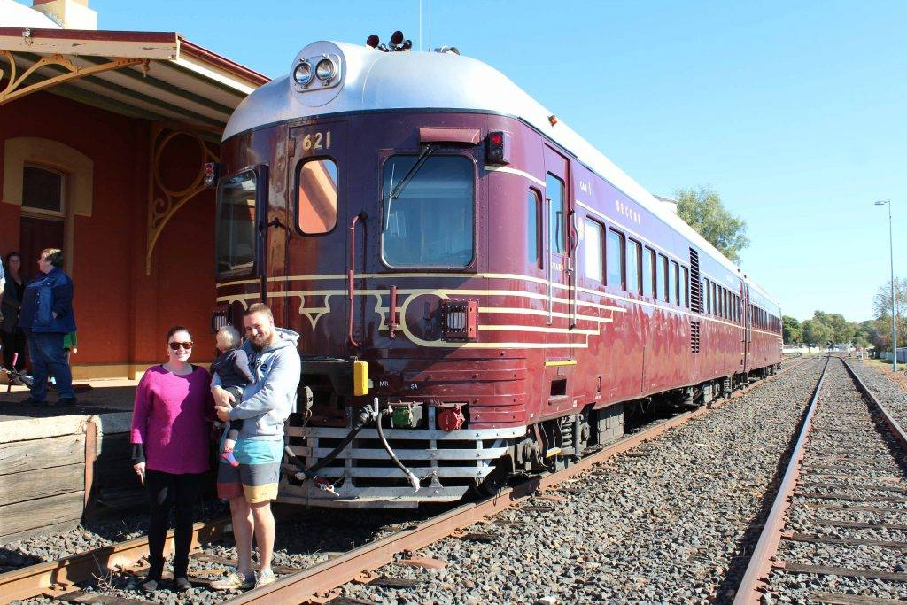 Cobar was treated to a visit from a heritage passenger train which stopped in town on Monday. The train was an early 1960s two car diesel rail car which was formerly part of the Newcastle suburban service. The locomotive has been fully restored and is now a part of the Rail Motor Society located in Patterson, NSW. On-board was a private group of 84 train buffs on a tour of western NSW. The trip to Cobar included travelling along the CSA Mine line. Pictured above checking out the train are Renee and Scott Leedham with their son Lukas (who couldn't take his eyes off the train!).