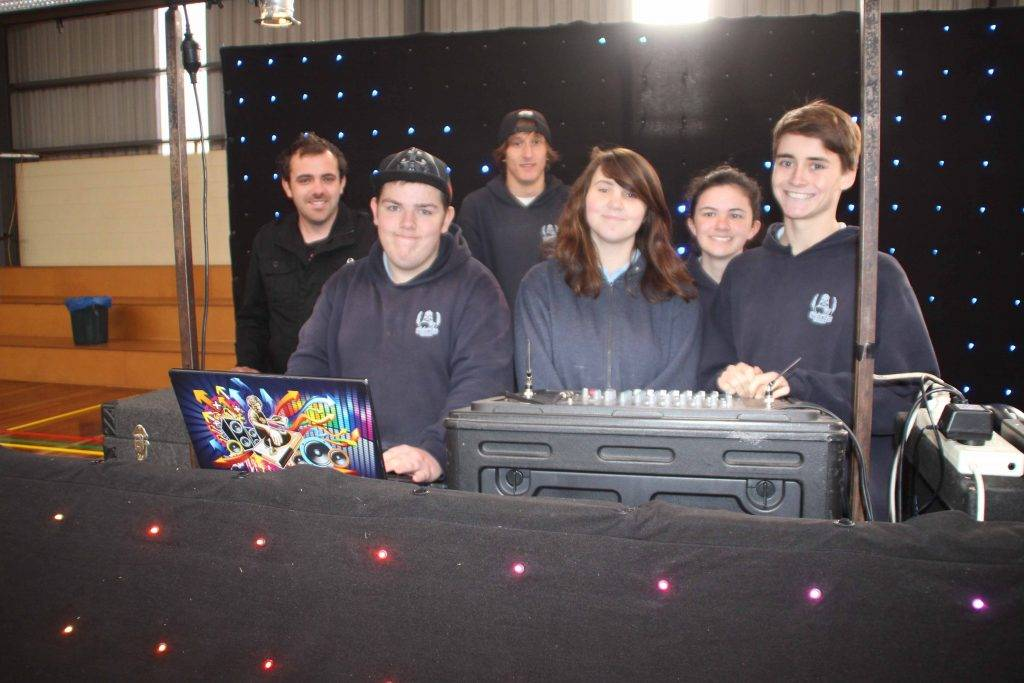 Sunshine Coast DJ Mike Neilson headed up a DJ workshop for Cobar High School  students last Friday at the Youthie. Picture getting some instructions from Mike were Cody Lehmann, Jake Manns, Angela Shepherd, Chloe Polack and Laine Ellicott.