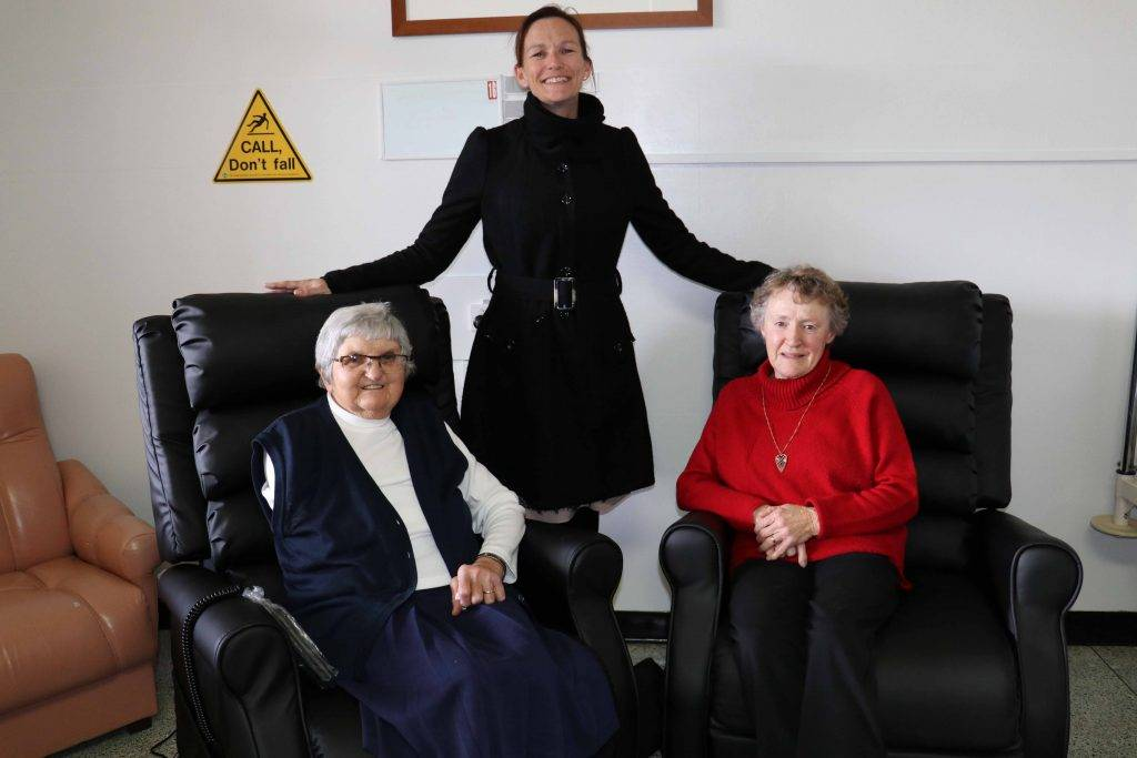 Lorna Lawrie was one of the first patients to try out one of the two new recliner chairs donated to the Cobar Hospital by the Cobar Hospital Auxiliary. Pictured with Mrs  Lawrie are Health Service Manager Mary Urquhart and Cobar Hospital Auxiliary  secretary Beryl Martin.