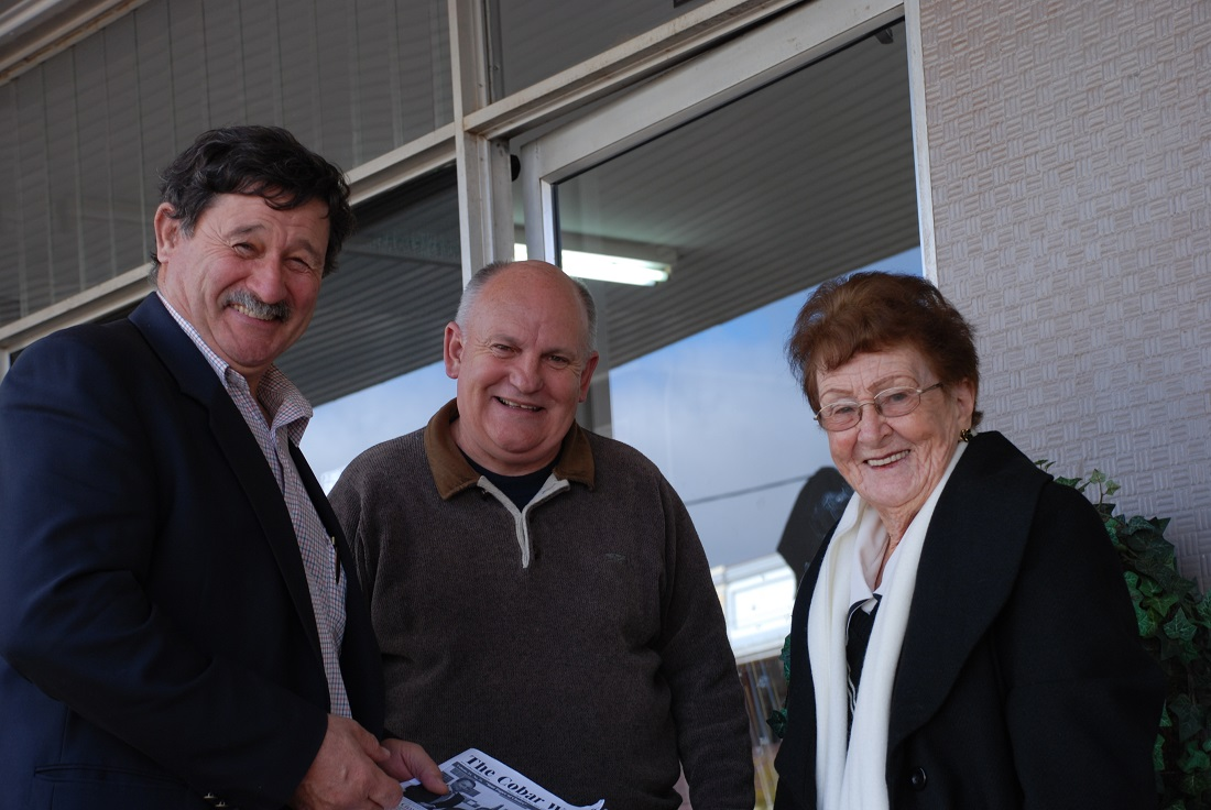 Cobb's cobar visit with Ray and Lilliane