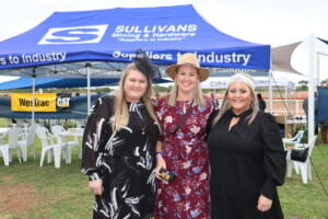 b print Cobar Races Demi Smith, Carly Hunter and Brytt Moore (5)