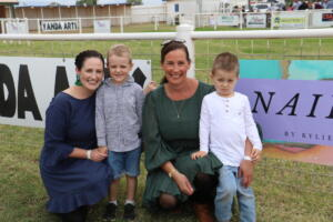 b print Cobar Races Stacey & Oliver Tranter with another woman and her son (27)