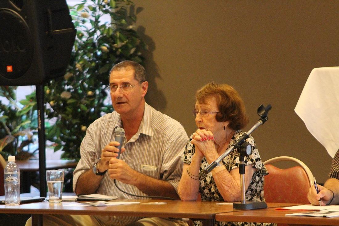 Public Meeting Dubbo Hospital Dr Randall Greenbergh, Lilliane Brady, Gary Woodman