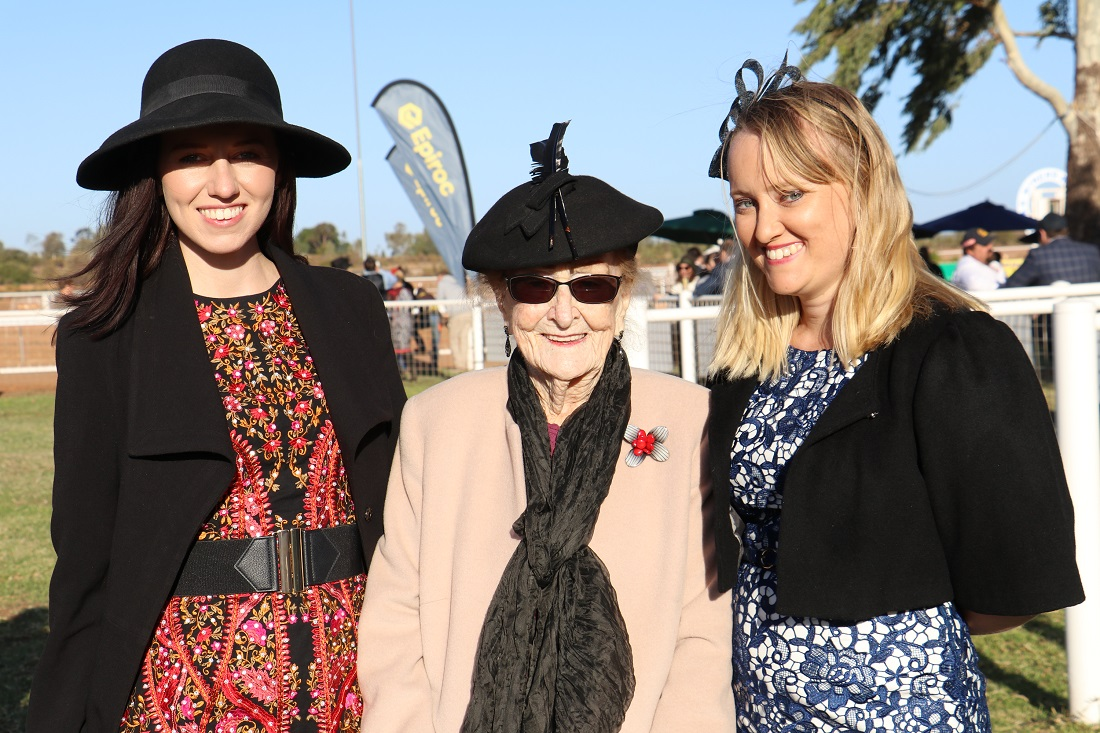 Cobar Races Lilliane Brady and granddaughters Elise and Cassie Bedwell