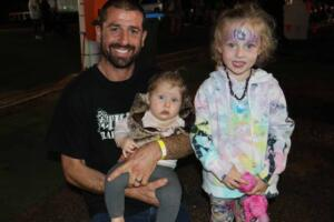 Cobar Show Mick Cavelot and daughters (37)